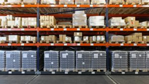פתרונות אחסון למחסן
